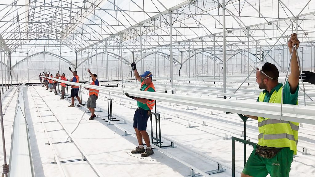 hydroponic-gutters-greenhouses_NOVAGRIC